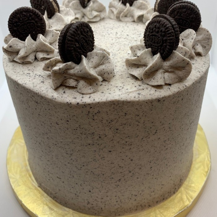Cookies n Milk Cake 6' Double Layer Cake (serves 12-15)